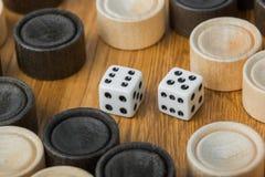 Dobbelt het backgammon speelgebied en stock foto's