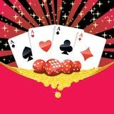 Dobbelt, speelkaarten en dalende gouden muntstukken gokkend achtergrond Royalty-vrije Stock Foto's