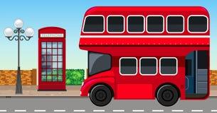 Doble Decker Bus de Londres en ciudad libre illustration