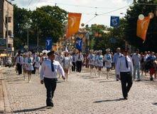 Dobosz dziewczyn marsz na miasto dniu Fotografia Stock