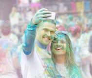 Dobra przyglądająca para bierze selfie Fotografia Royalty Free