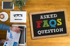 Dobrowolnie Pytać pytania Faq informacje zwrotne pojęcie obraz stock