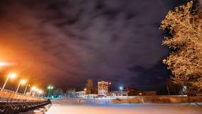 Dobrush, región de Gomel, Bielorrusia Lapso de tiempo Timelapse de time lapse a partir de la tarde a la noche de la torre de pape almacen de metraje de vídeo