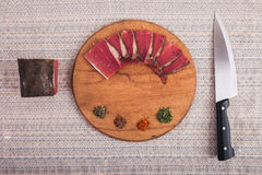 Dobry jedzenie kłaść out na stole Zdjęcia Royalty Free