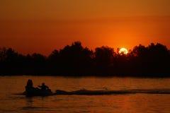 Doc. durante puesta del sol fotos de archivo