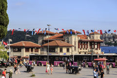 Doca de balsa de Besiktas, Istambul, Turquia Fotografia de Stock Royalty Free