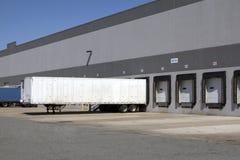 Doca de carregamento do armazém Fotografia de Stock