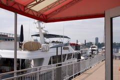 Doca do barco em Chelsea Piers em Manhattan -13 foto de stock