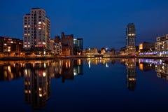 Doca do canal grande em Dublin em a noite Fotografia de Stock Royalty Free