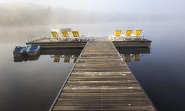 Doca na laca-Superieur, Mont-tremblant, Quebeque, Canadá Imagens de Stock Royalty Free