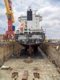 Doca seca - barco Fotos de Stock