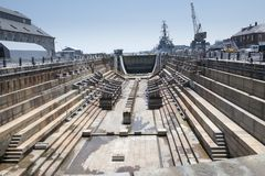 Doca seca para construir grandes navios Imagens de Stock Royalty Free