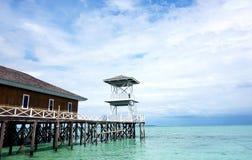 Doca tradicional com torre do relógio Fotos de Stock