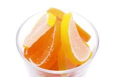 Doce de fruta colorido em um vidro Foto de Stock