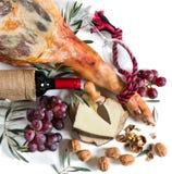 Doce do espanhol frutos, queijo do queijo e uma garrafa do vinho Fotos de Stock
