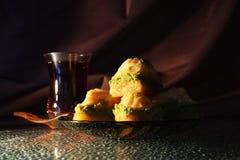 Doce e chá orientais Foto de Stock Royalty Free