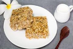 Doce tailandês feito do arroz, da porca, das sésamo-sementes e da sobremesa do açúcar Imagens de Stock Royalty Free