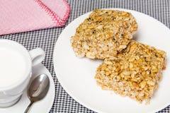 Doce tailandês feito do arroz, da porca, das sésamo-sementes e da sobremesa do açúcar Fotos de Stock Royalty Free