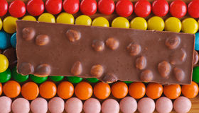 Doces de chocolate coloridos, redondos Foto de Stock
