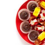 Doces de chocolate com creme doce fotos de stock