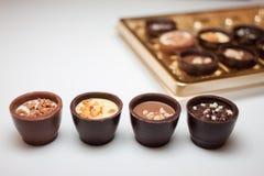 Doces de chocolate deliciosos imagens de stock