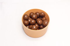 Doces de chocolate em uma bacia Foto de Stock Royalty Free