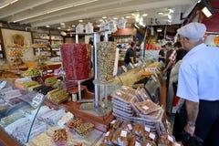 Doces do prazer no bazar egípcio Fotografia de Stock