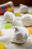 Doces do zéfiro e do fruto do marshmallow da baunilha Fotografia de Stock