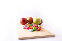 Doces e maçãs do fruto Foto de Stock Royalty Free