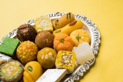 Doces indianos para o festival do diwali ou o casamento, foco seletivo Fotos de Stock Royalty Free