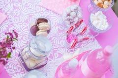 Doces no rosa Fotografia de Stock Royalty Free