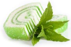 Doces saborosos da geleia com hortelã Imagem de Stock Royalty Free