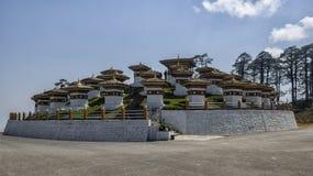Dochula passerande, Punakha, Bhutan Royaltyfria Bilder