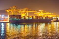 Dock commercial la nuit image libre de droits