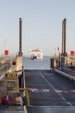 Dock de approche de ferry Photographie stock