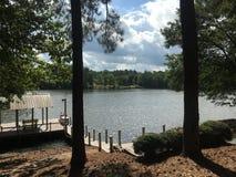 Dock de bateau sur le lac photos libres de droits