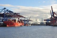 Dock de port de Hambourg et terminal de récipient de cargaison, Allemagne Photographie stock libre de droits