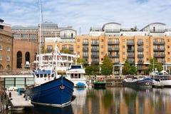 Dock de rue Katharine. Londres, Angleterre Photographie stock