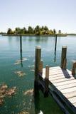 Dock et île Image stock