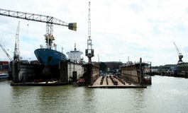 Dock flottant dans le port de Rotterdam Photos stock