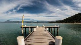 Dock, Ozean und Boote Lizenzfreies Stockbild
