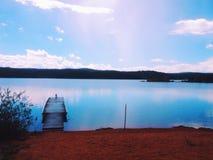 Dock på en lake arkivbilder