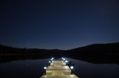 Dock par le lac Photos stock