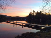 Dock am Sonnenuntergang Lizenzfreies Stockbild
