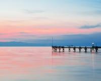 Dock am Sonnenuntergang Stockbilder
