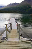 Dock sur Kathleen Lake dans le territoire de Yukon, Canada Photo stock