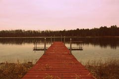 Dock sur un lac Photo libre de droits