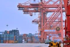 Dock und Behälteryard in Xiamen, Fujian, China Stockfotos