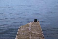 Dock und Ozean Stockfoto