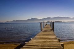Dock vers le lac George Image stock